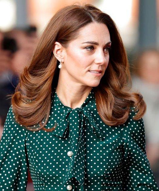 Vévodkyně Kate sází na klasiku.