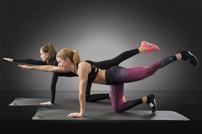 Balanční cviky jsou na střed těla nejlepší.