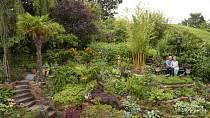 Zahrada skrývá mnohá zákoutí.