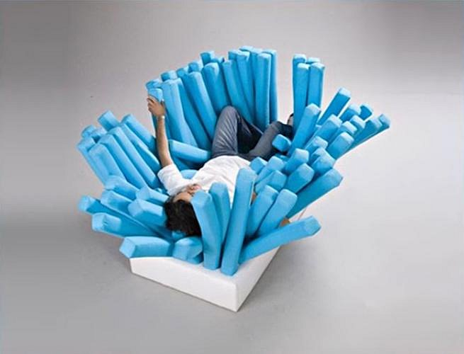 Tato postel je určena pro krátkodobý odpočinek.