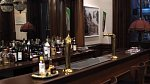 Oba muži jsou velkými milovníky whiskey, v jejich domě tak nesmí chybět bar.