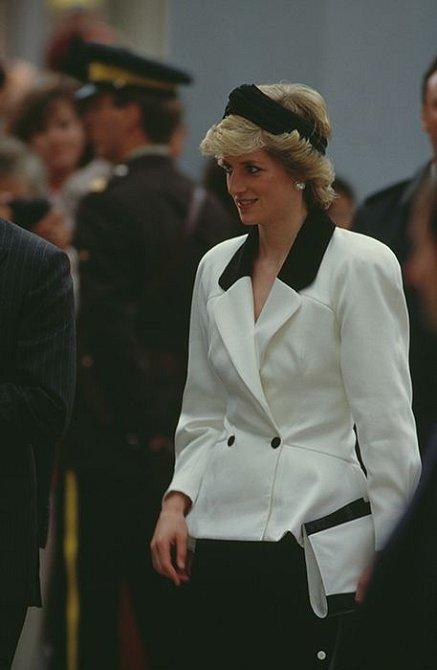 Čelenku občas vynesla i princezna Diana.