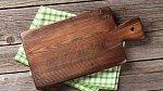 Dřevěná prkénka vydrží spoustu let, když se o ně správně pečuje.