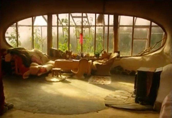Domeček je nejenom útulný, ale nabízí i dekorace přímo z filmu Pán prstenů