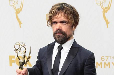 Živě z červeného koberce: Emmy 2015