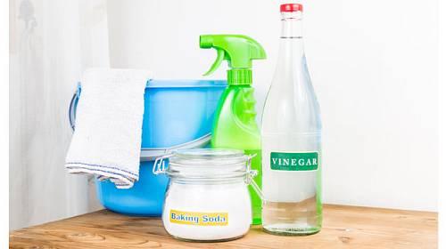 Poradíme vám, jak si doma vytvořit levné čistící prostředky