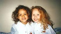 Sestry Aylmerovy - dvojčata Lucy a Maria