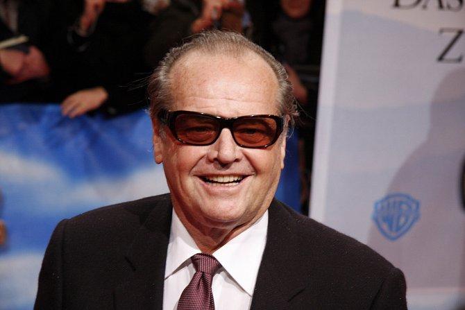 Jack Nicholson je jedináček, nikdy mu to však nevadilo.