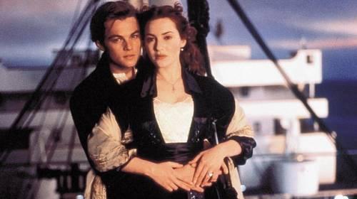 Týden ve světě celebrit: Kate Winsletová se směje Leovi DiCaprio, že tlousne