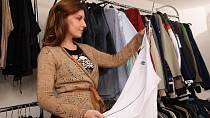 Značkové oblečení seženete v second-handu doslova za kačku