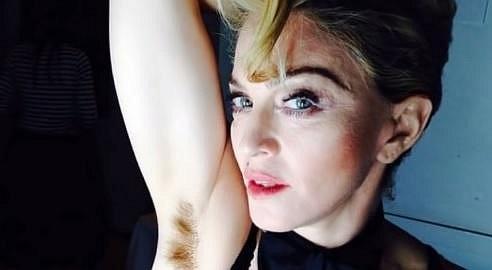 Madonna nesmí u ničeho chybět...