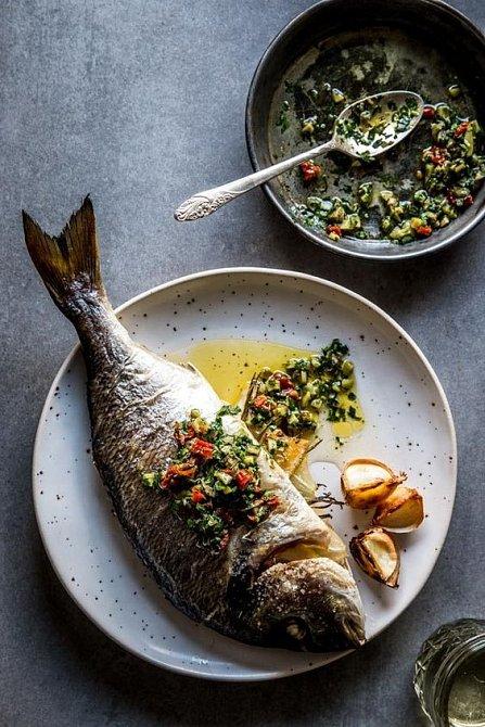 Máslo a ryby, nepřekonatelná dvojka.