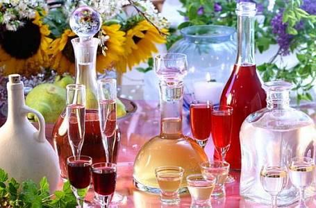Voňavé domácí likéry, pálenky a skvělé životabudiče!