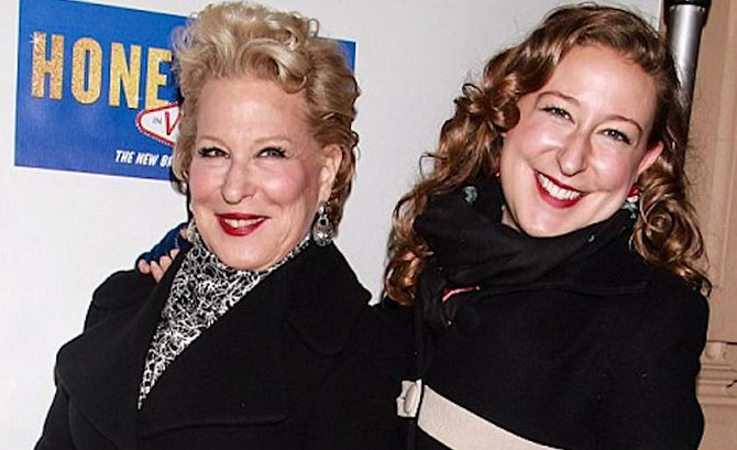 Bette Midler a Sophie Haselberg