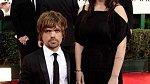 Peter Dinklage (Tyrion Lannister), manželka režisérka a scénáristka Erica Schmidt  - Nikdo si asi nedokáže představit Hry o trůny bez okouzlujícího Tyriona, kterému neunikne žádná žena.