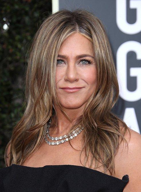 Jennifer Aniston vypadá pořád stejně.