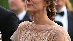 Vévodkyně Kate umí být i přes přísná pravidla protokolu pokaždé jiná.