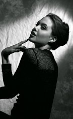 Angelina Jolie, rok 1990