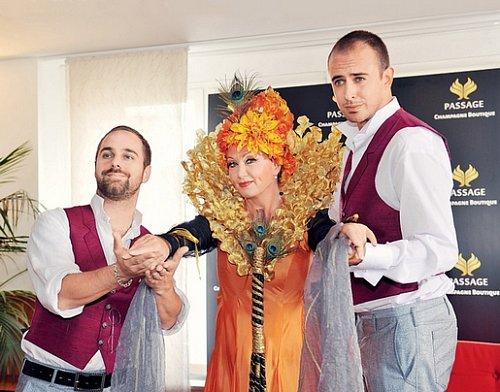 Jak zpěvačka Bára Basiková využívá manžela taxikáře?
