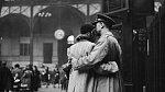 16. Loučení s odjíždějícími jednotkami, New York – nádraží Penn Station, duben 1943