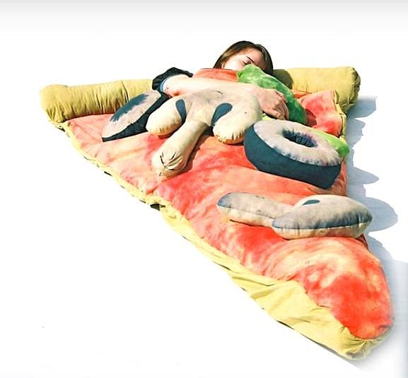 Další postel určená pro milovníky jídla.