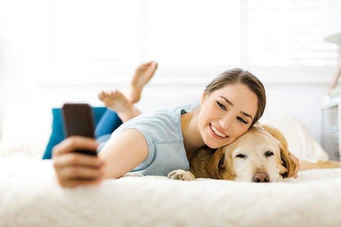 Pokud si fotíte fotku se psem, je všechno ostatní už jedno.