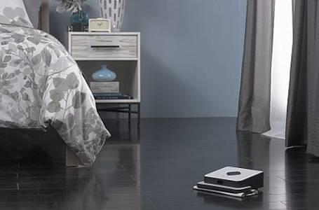 Náš mop vytře podlahy za vás. Nevěříte?