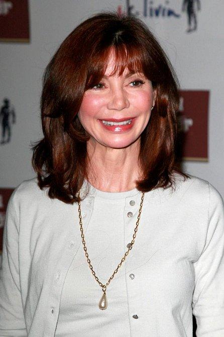 V roce 1985 se provdala za hollywoodského plastického chirurga Harryho Glassmana, se kterým se po 21 letech rozvedla.
