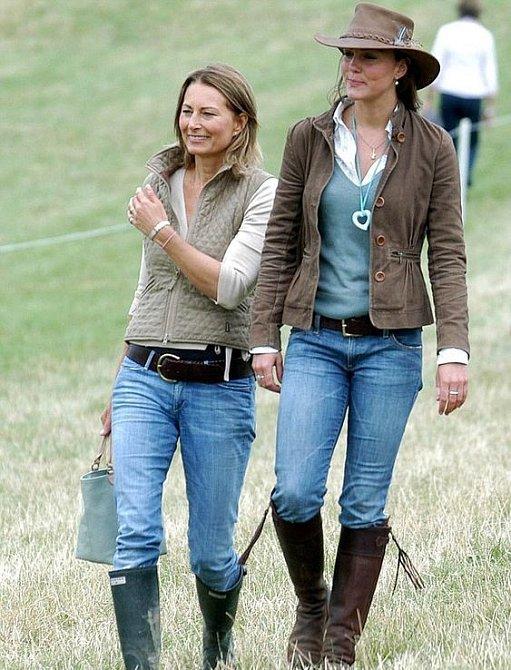 Vévodkyně Kate podědila po matce módní vkus.