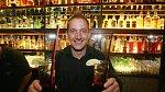 Martin Kocián si otevřel bar.