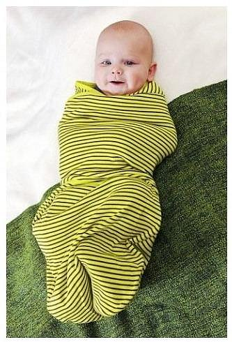 Na plačící miminka platí zavinování