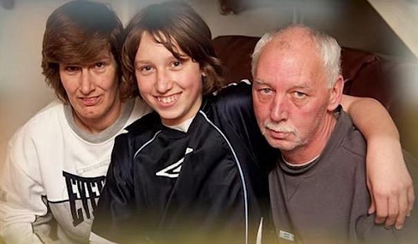 Nathan Fishbourne se svými rodiči.
