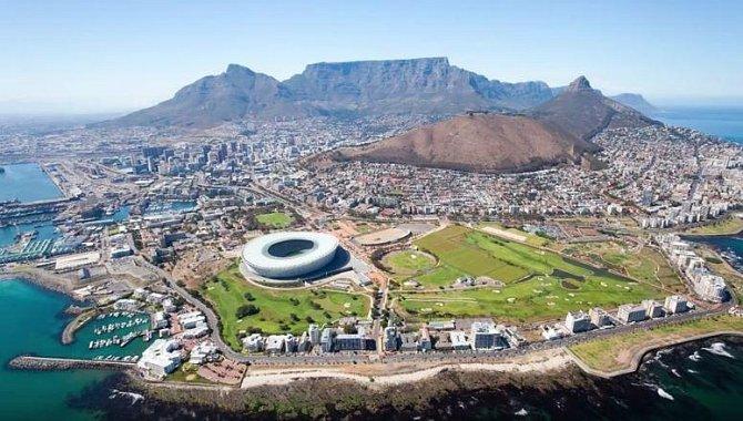 Kapské město, Jižní Afrika – Díky vysoké nezaměstnanosti a z ní pramenící vysoké chudobě se v této oblasti vyvinula také vysoká kriminalita. Pokud se sem přece jen vydáte dovolenkovat, držte se jen na bezpečných místech.