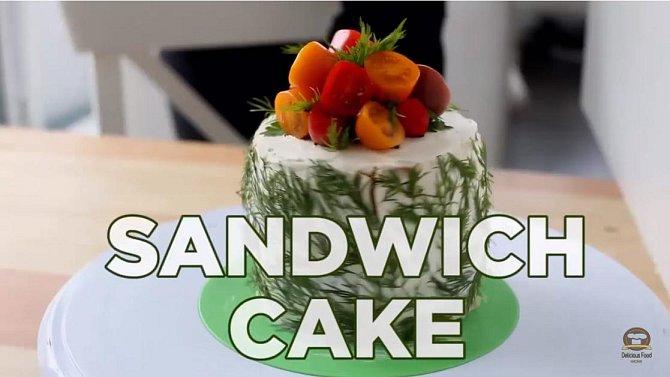 BONUS - Sendvič 13 - Chlebový dort. Co budete potřebovat: světlý chléb, krémový sýr, čerstvou okurku, uzený losos, čerstvý kopr a petrželka