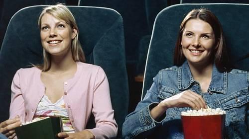 3 tipy, na co zajt s kamarádkou do kina