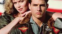 Kelly McGillis a Tom Cruise ve filmu Top Gun