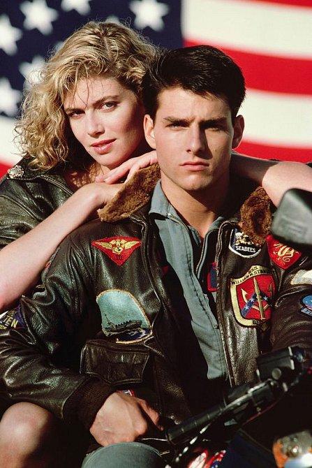 Kelly McGillis a Tom Cruise ve filmu Top Gun