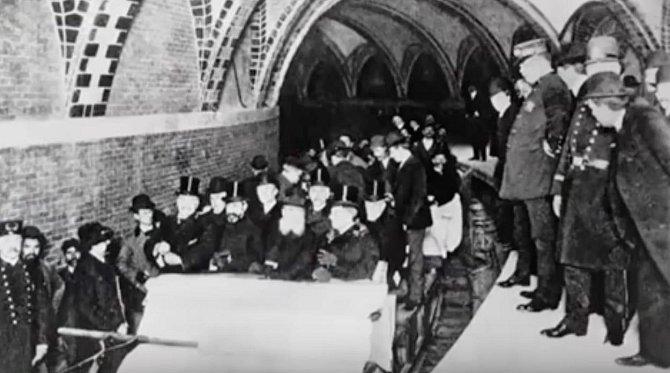 První projížďka metrem v New Yorku, 1904