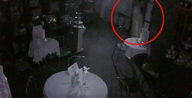 Mrtvý majitel stále hlídá svojí restauraci