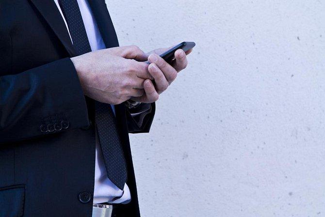 Skatofilie: Dotyčný se ukájí erotickými anonymními telefonáty.