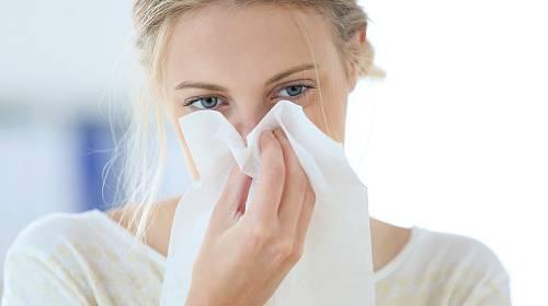 Léčená rýma trvá týden, neléčená sedm dní. Jak na ni?