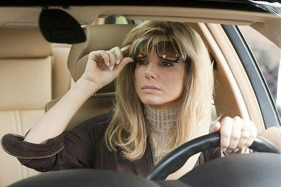 Sandra Bullock ve filmu Zrození šampiona, za který získala Oscara.