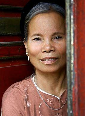 Čas je nemilosrdný: Podívejte se, co udělá s ženskou tváří stáří. Co by udělal s tou vaší?