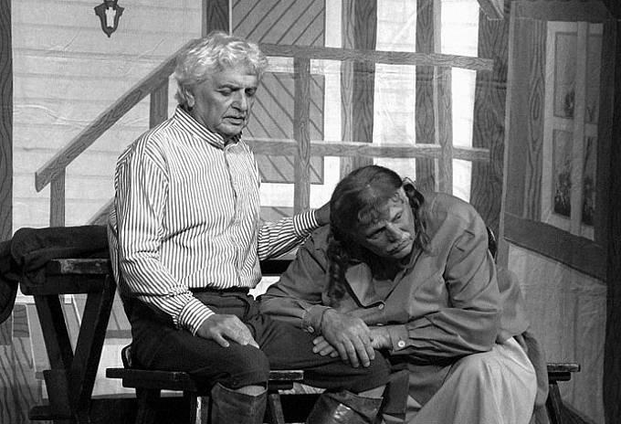 Ladislav Smoljak a Petr Brukner v inscenaci Němý Bobeš