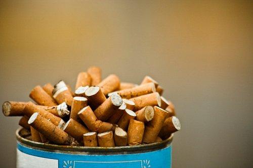 Blondýnka kouření galerie