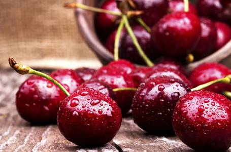 V hlavní roli třešně: Bublanina, megaknedlík i drobenkový koláč