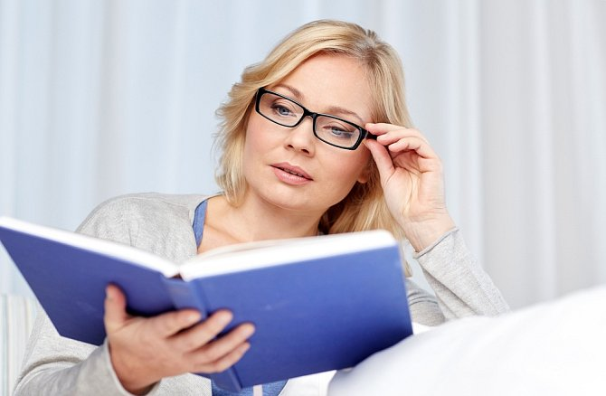 Vzdělávejte se, vyhledávejte nové informace, luštěte křížovky. Pokud mozek zakrní, negativně se to projeví i na vaší vizáži.