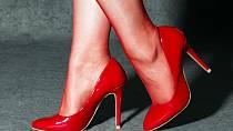 Retifismus: Dotyčný se sexuálně zaměřuje jen na ženské boty.