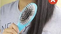 Co dělat, aby se vám v kartáči nezachytily vlasy a vy jej pak složitě nečistili?