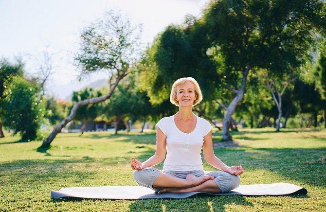 Proti stresu zabírá i meditace. Najděte si každý den pár minut jen pro sebe a uvolněte mysl.
